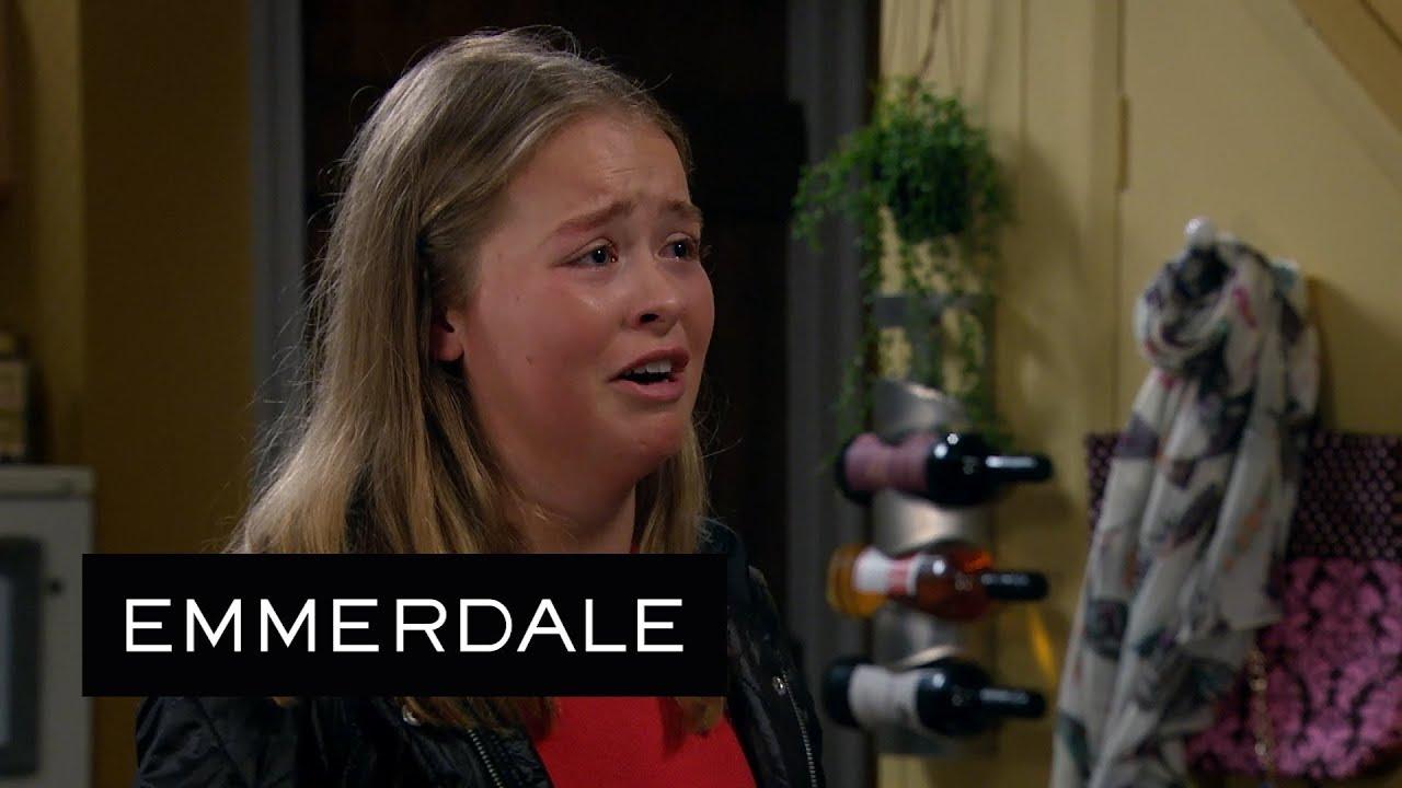 Emmerdale – Leyla, Tracey and Priya Tell Liv They've Dealt with Maya