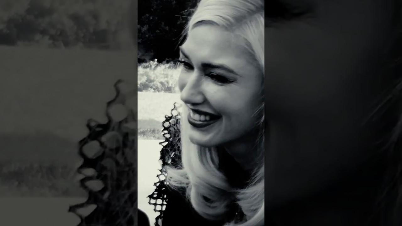 Blake Shelton – Nobody But You (Duet w/ Gwen Stefani) (Vertical Video)