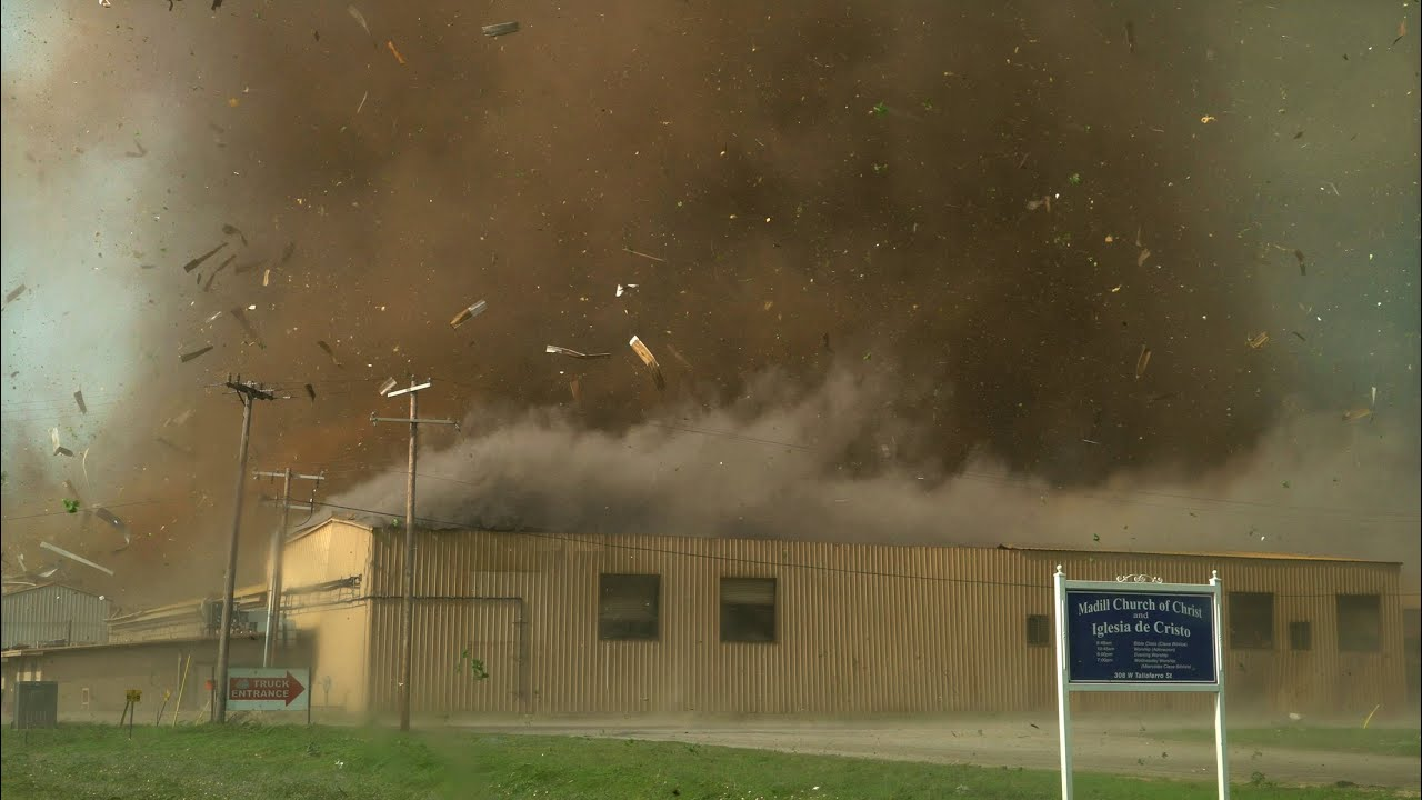 CLOSE TORNADO TEARS THROUGH TOWN – Madill Oklahoma 4-22-20
