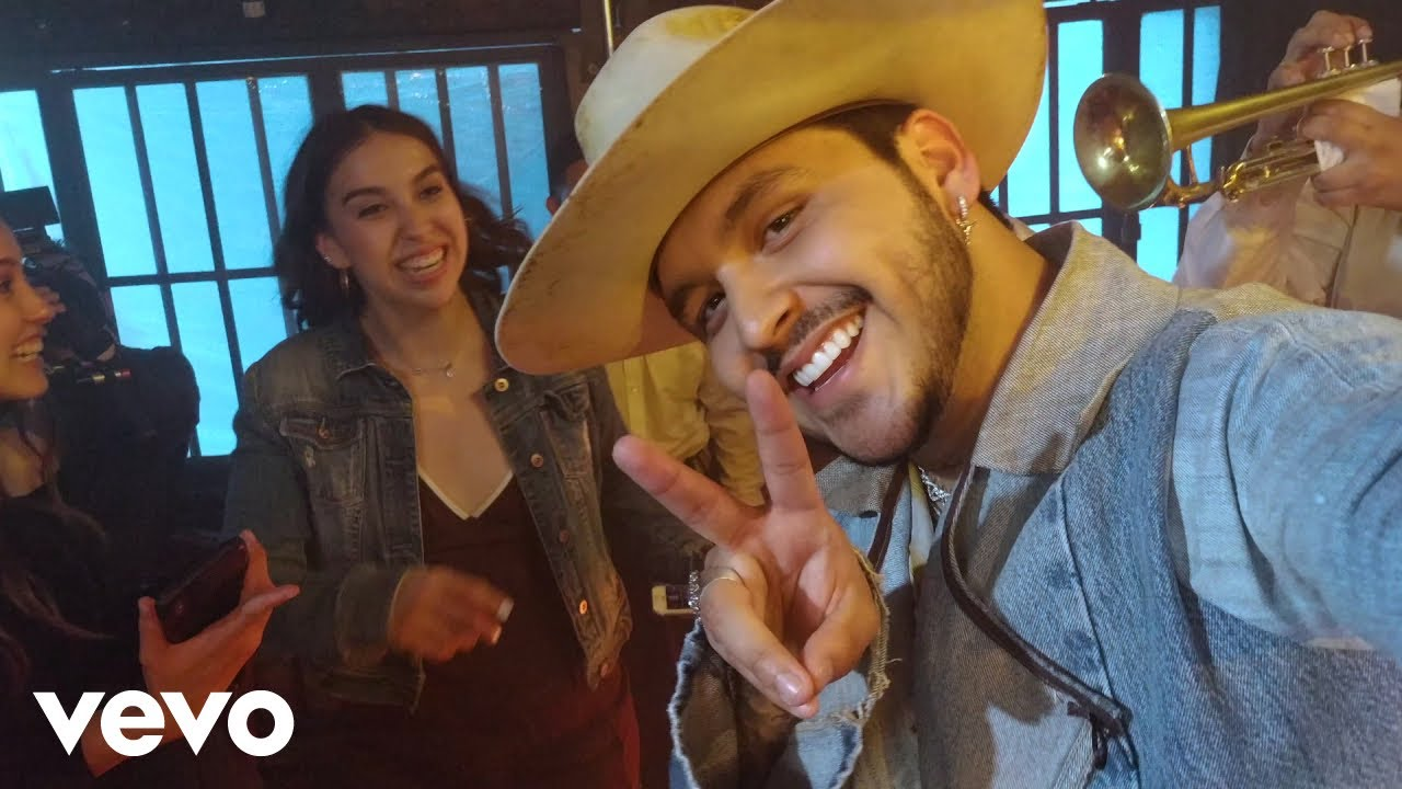 Christian Nodal – AYAYAY! (Video Oficial)