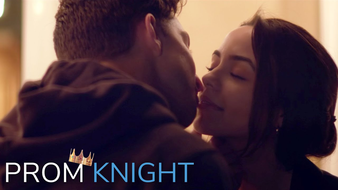 Dating a YouTuber – Prom Knight Episode 3 – Merrell Twins