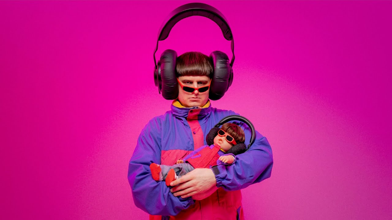 Oliver Tree – Let Me Down [Official Music Video]