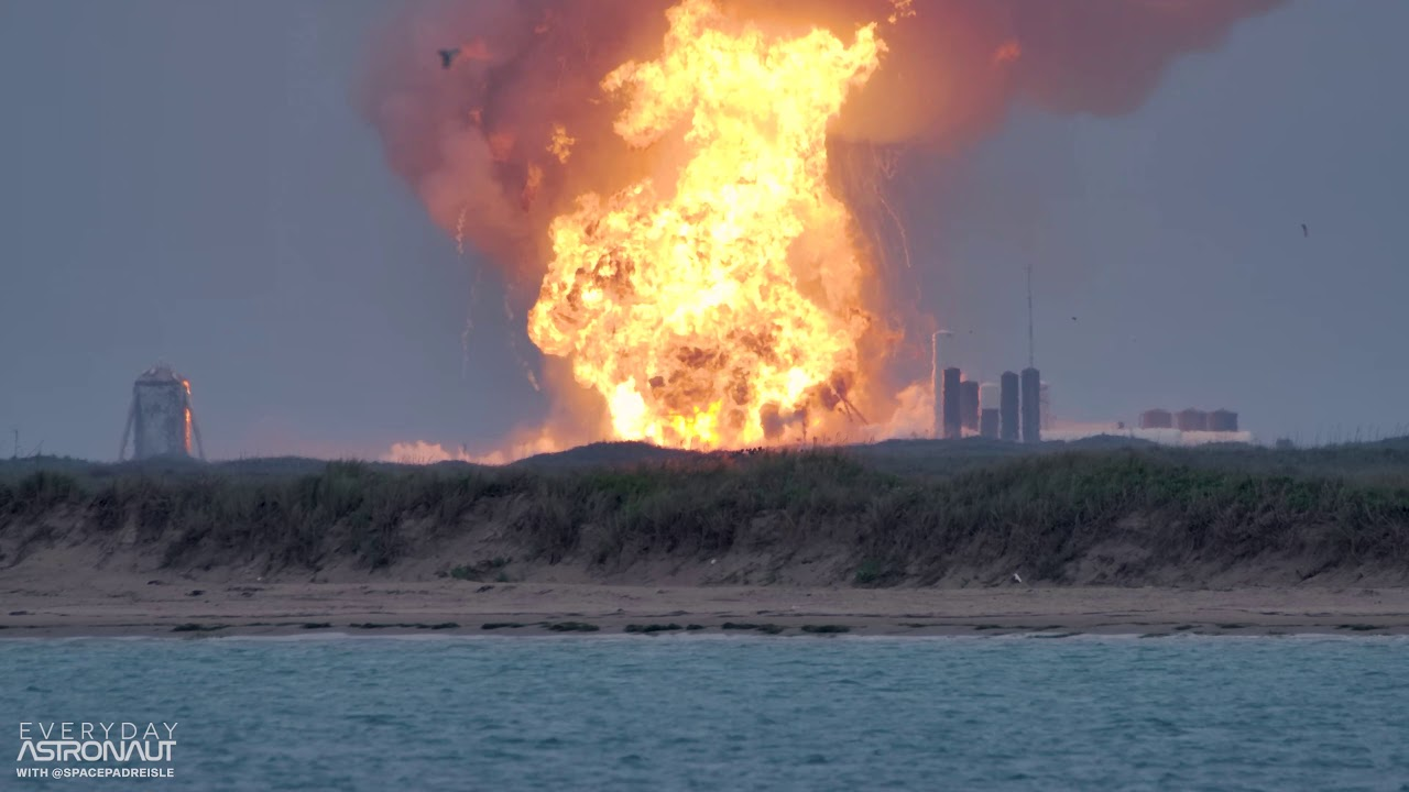[SLO MO 4K] Massive explosion of a SpaceX Starship Prototype (SN4) at Boca Chica Texas