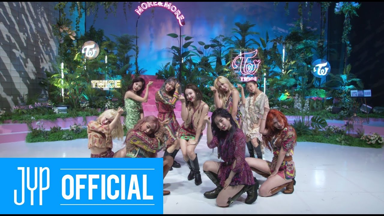 """TWICE SPECIAL LIVE """"MORE & MORE"""""""