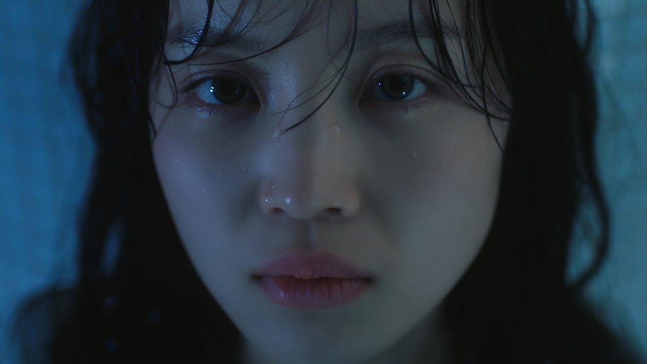 이하이 (LEE HI) – 홀로 (HOLO) Official Music Video (ENG/CHN)