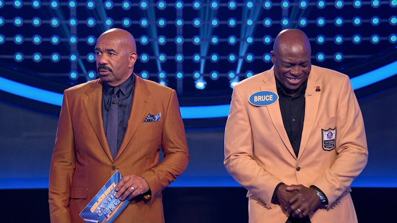 Bruce Smith Shocks Steve Harvey During 'Fast Money' – Celebrity Family Feud