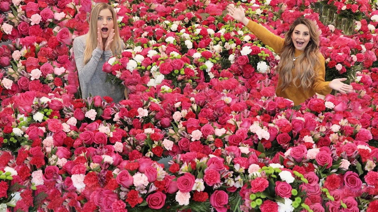 Surprising My Friend With 1000's of Flowers For Her Birthday!