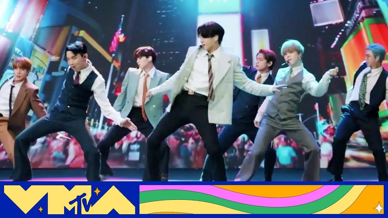 "BTS Performs ""Dynamite"" | 2020 MTV VMAs"