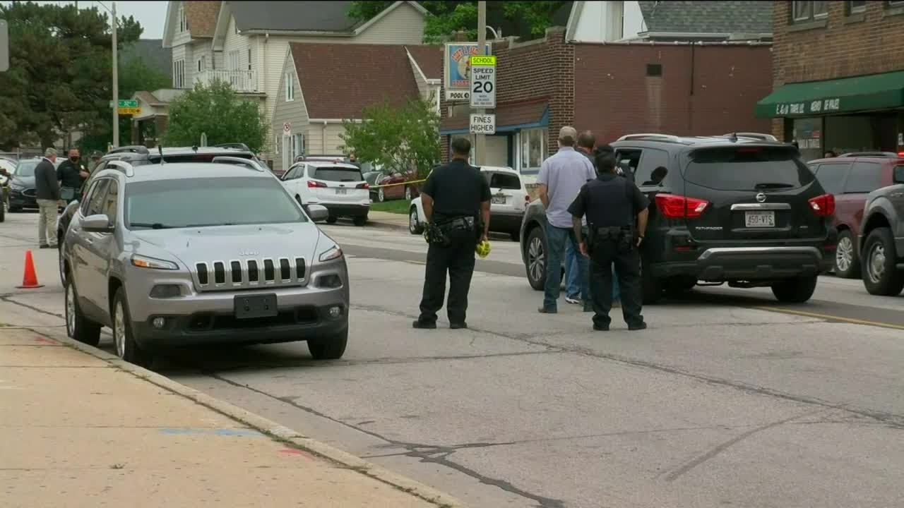 Milwaukee man dead after firing gun, hitting himself during attempted arrest by federal agents