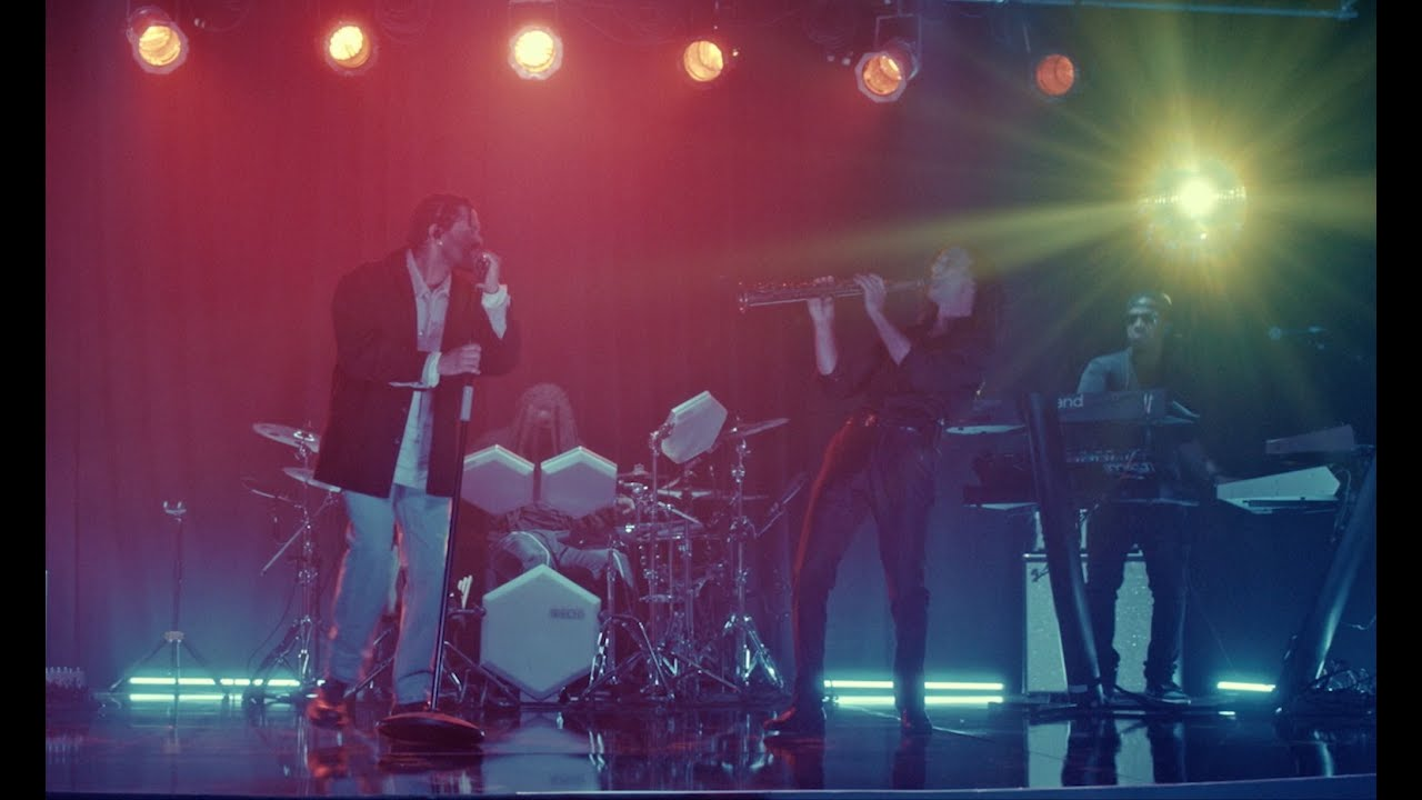 The Weeknd – In Your Eyes ft Kenny G (Time100 Live Performance)