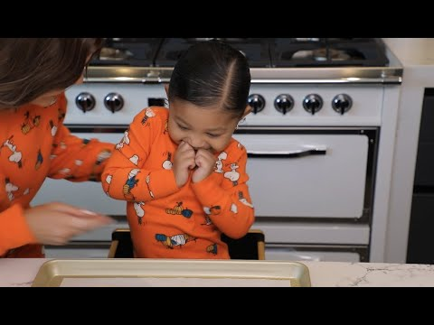 Kylie Jenner: Halloween Cookies with Stormi
