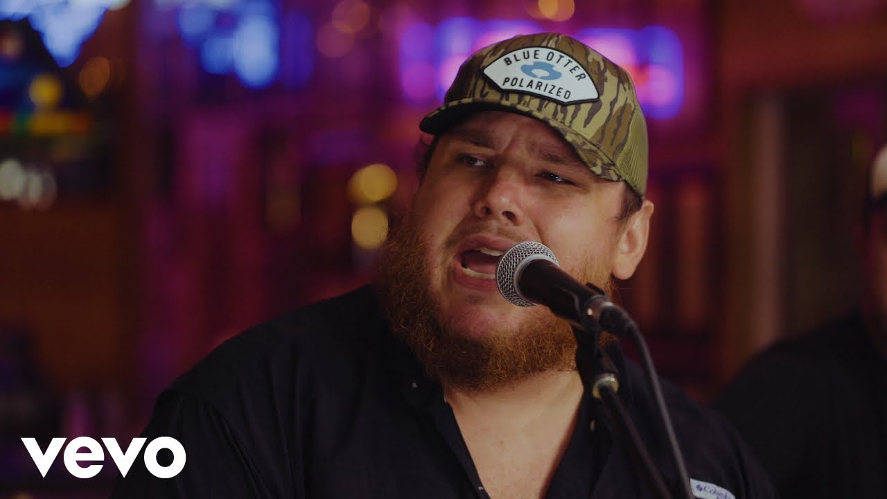 Luke Combs – Forever After All (Acoustic)