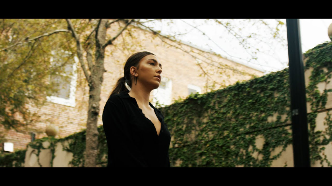 Savannah Dexter – Remember Everything (Official Music Video)