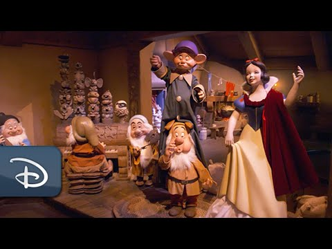 First Look: Snow White's Enchanted Wish at Disneyland Park